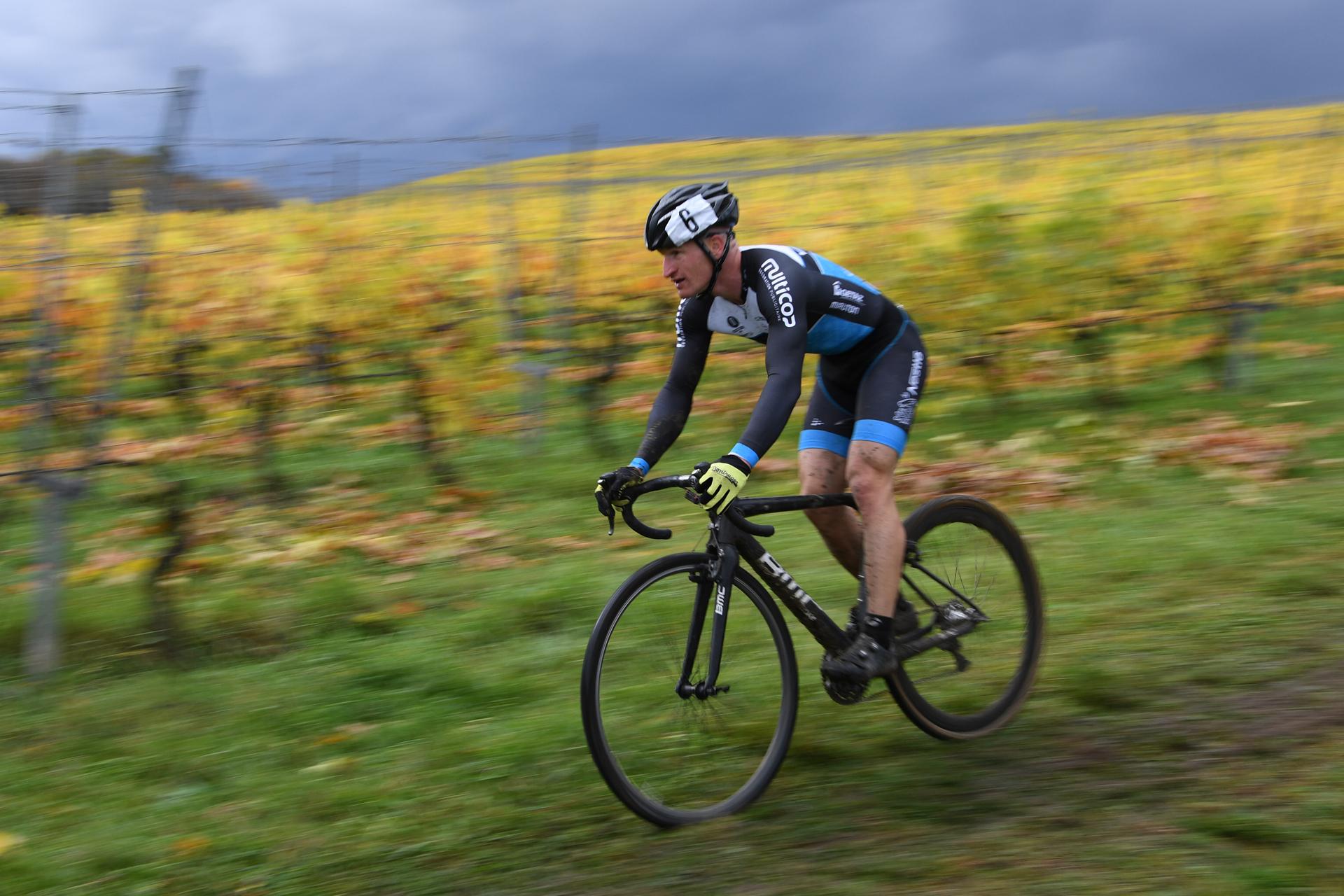 Maxime Beney, vainqueur de la première manche en licencié cyclo-cross (photo Bernard Sarbach)